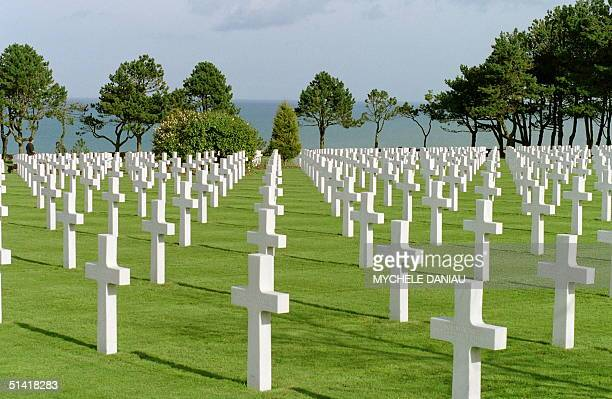 Picture taken 23 February 1994 in CollevilleSaintLaurent of some of the 9386 tombs made up of Carrara marble of the American cemetery overlooking the...
