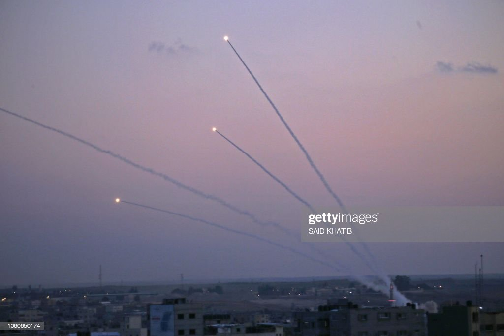 TOPSHOT-PALESTINIAN-ISRAEL-CONFLICT : News Photo