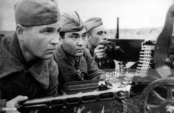 Picture taken in 1942 of Soviet soldiers during the battle of Volgograd
