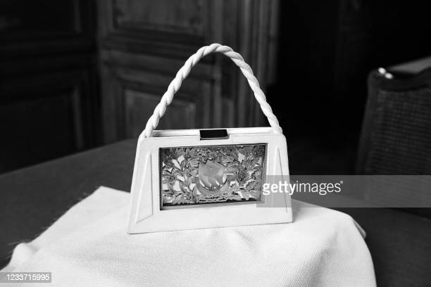Picture taken in May 1948 of the gift given by the Paris municipality for Princess Elizabeth of England during her official visit to Paris: a silver...