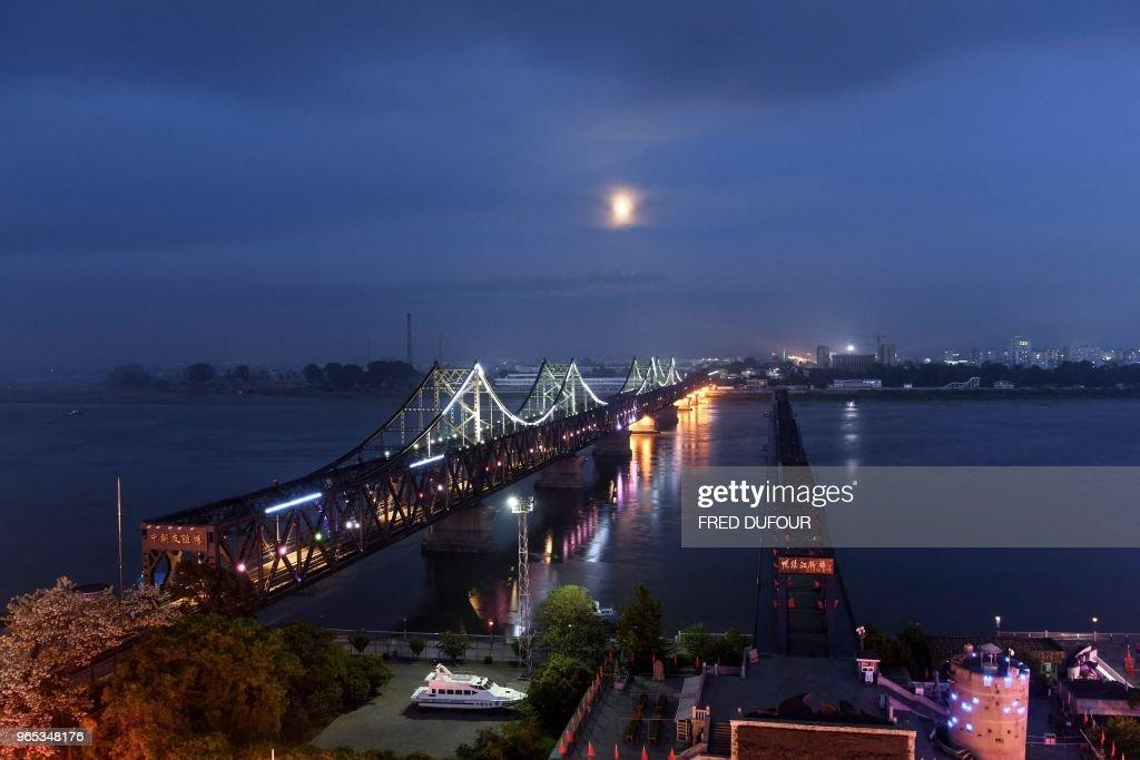 CHINA-NKOREA-ECONOMY : Fotografía de noticias