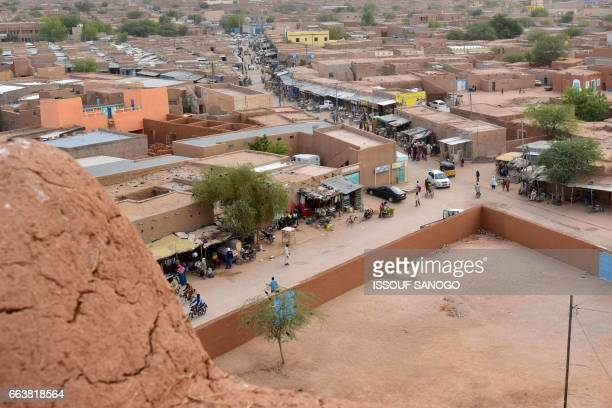 A picture taken on April 2 2017 shows a view from atop an earthen mud mosque in Agadez in northern Niger / AFP PHOTO / ISSOUF SANOGO