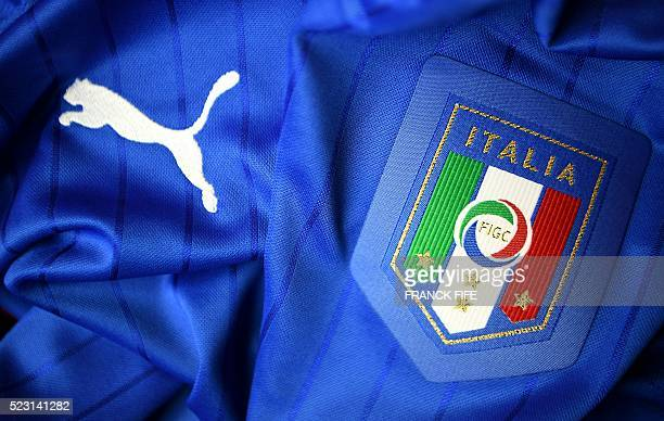 Picture taken on April 21, 2016 in Paris, shows the jersey of the Italian national football team for the UEFA Euro 2016 European football...