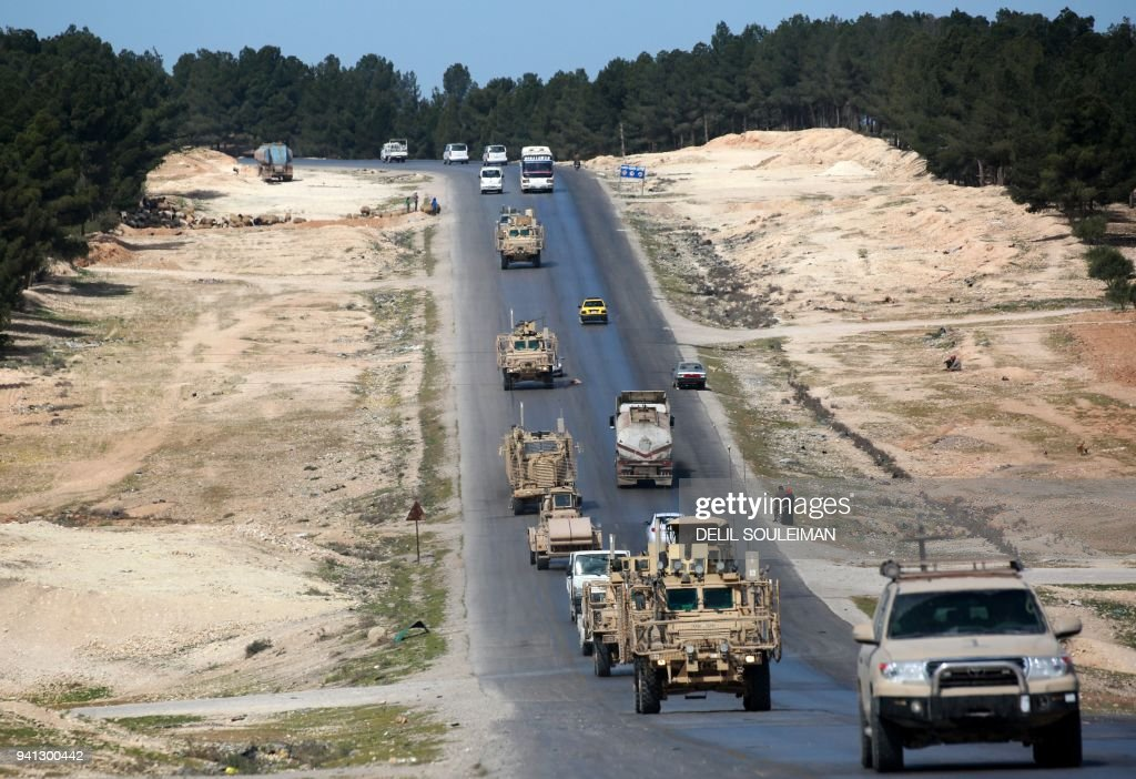 TOPSHOT-SYRIA-TURKEY-US-CONFLICT-MANBIJ : News Photo