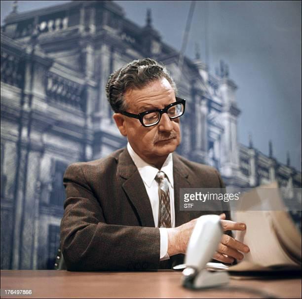 Picture taken on April 30 1971 in Santiago shows Chilean president Salvador Allende Photo prise le 30 avril 1971 à Santiago du Chili du président...