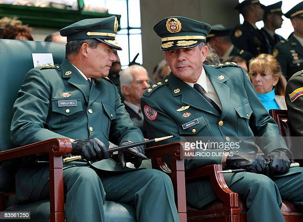 Picture taken on August 7, 2008 in Bogota of the General Commander of Military Forces of Colombia Freddy Padilla and Colombian Army chief General...