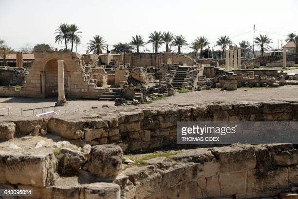 Picture taken on February 18 2017 shows columns ans ancient stones at the archaeological site of Hisham's Palace on the outskirts of the West Bank...