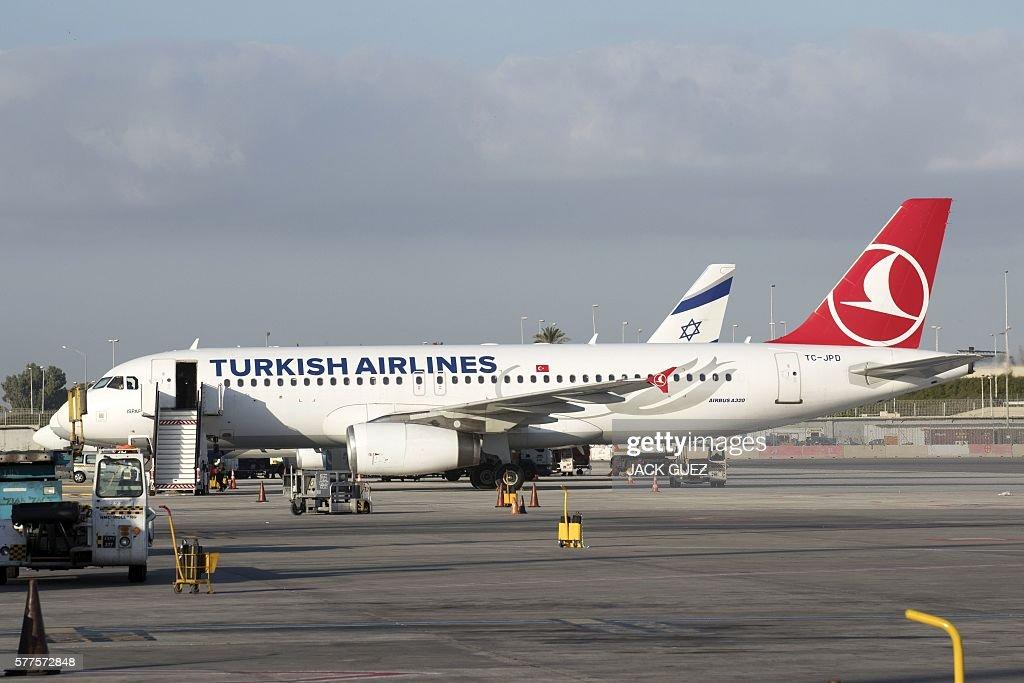 ISRAEL-TURKEY-TRANSPORT-ECONOMY-AIRPORT : News Photo