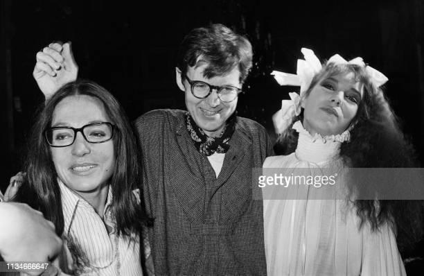 Picture taken on July 28 1977 at Paris showing Norwegian fashion designer Per Spook with British actress Jane Birkin and Greek singer Nana Mouskouri