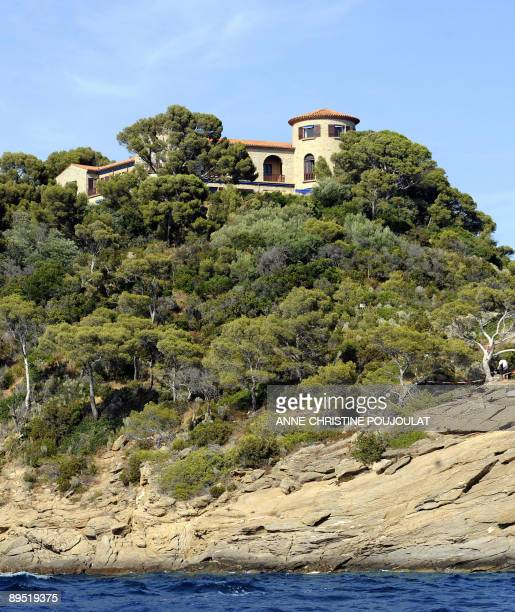Picture taken on July 30 2009 in Le Lavandou southern France shows a villa belonging to French first lady Carla BruniSarkozy's family in the Cap...