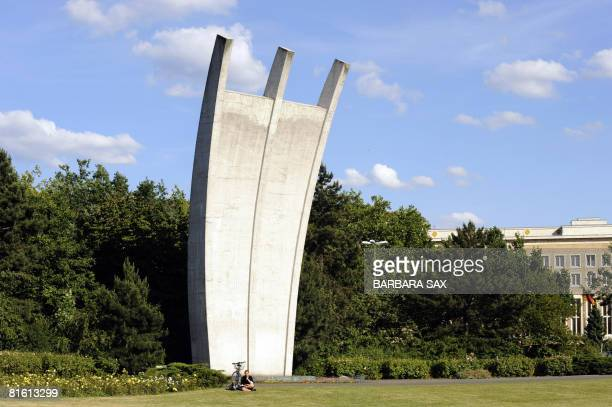 "Picture taken on June 17, 2008 of the airlift memorial nicknamed ""Hungerkralle"" near Tempelhof airport in Berlin. During the Berlin Blockade, West..."