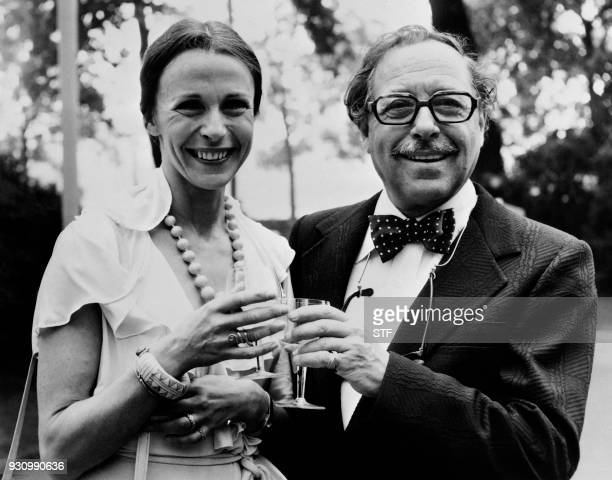 Picture taken on June 28 1973 shows British actress Claire Bloom and US playwright Tennessee Williams / AFP PHOTO / CENTRAL PRESS / STF