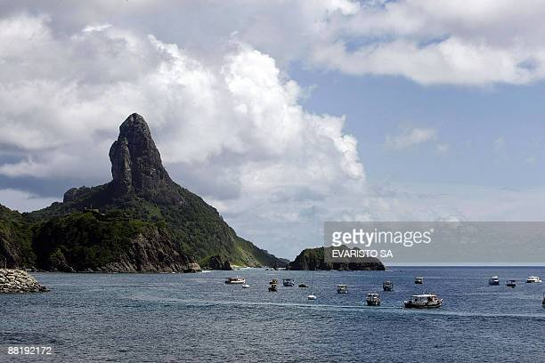 Picture taken on June 3 2009 of Fernando de Noronha Island's port and Pico Hill in northeastern Brazil 650 km from where debris of Air France flight...