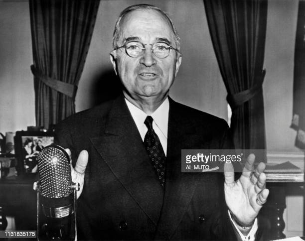 Picture taken on March 6, 1953 at Washington showing American President Harry Truman adressing the Americans about the aid to U.S. Allies. / France...