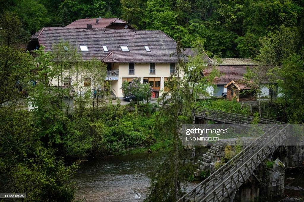 GERMANY-DEATHS-CROSSBOW : News Photo