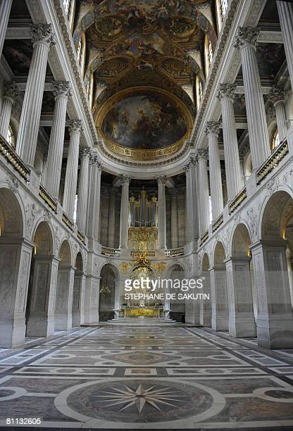 A picture taken on May 17 2008 shows the Holy Chapel during the exhibition 'A century of cinema in Versailles' for the Night of Museums 2008 in of...