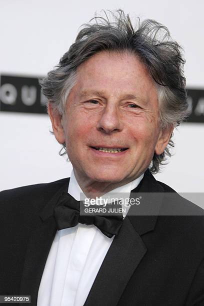 Picture taken on May 19, 2005 shows Polish-born French director Roman Polanski posing as he arrives for the American Foundation for AIDS Research...