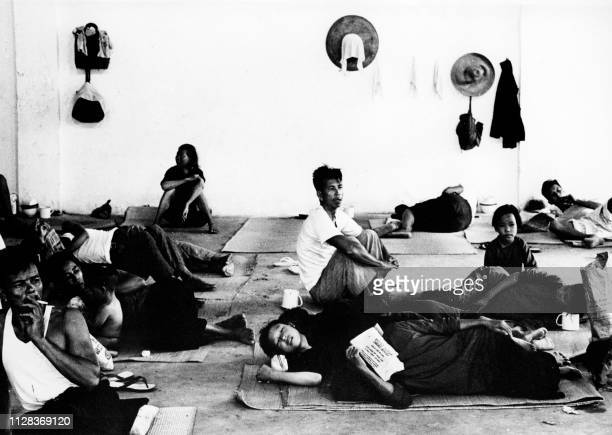 Picture taken on May 1962 showing Chinese refugees in a provisional shelter at Hong Kong During the famine caused by The Great Leap Forward Chinese...