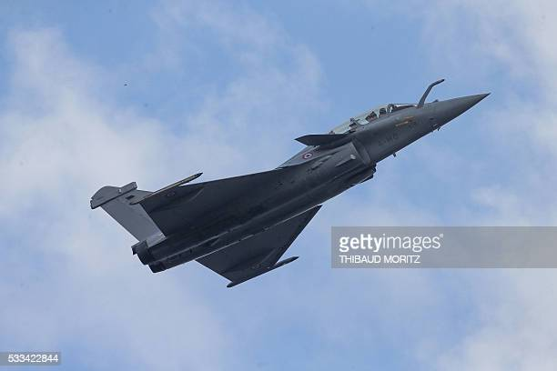 A picture taken on May 22 2016 shows a Rafale during the Flying Spirit aerial meeting in Biscarrosse southeastern France / AFP / THIBAUD MORITZ