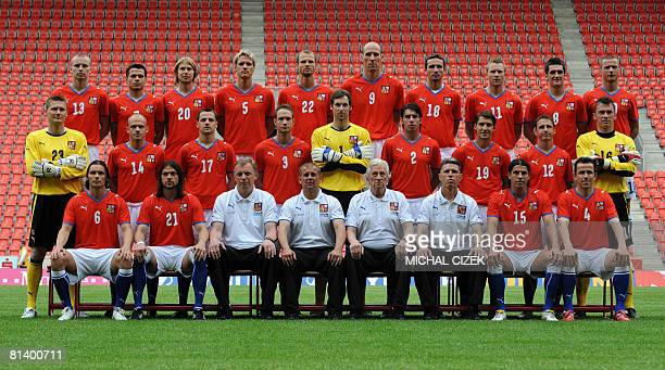 A picture taken on May 26 2008 shows Czech national football team players posing at the Slavia Prague stadium Michal Kadlec Libor Sionko Jaroslav...
