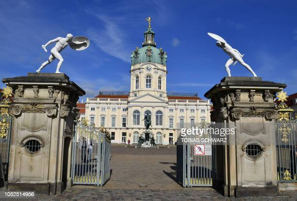 Picture taken on October 19, 2018 shows a view of the Charlottenburg Palace in Berlin. - The Charlottenburg Palace has been built from 1695 to 1699...