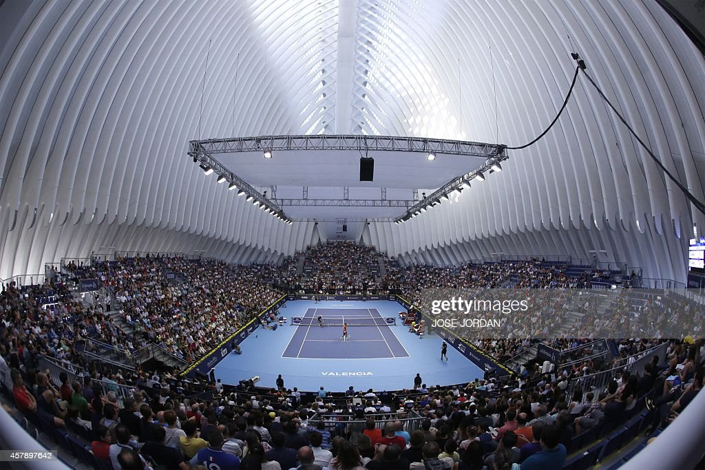 A picture taken on October 26, 2014 shows the Agora building in Valencia's City of Arts and Science complex during the semi-final match between Spanish player Tommy Robredo and British player Andy Murray at the ATP Valencia tennis Open. Murray won the match 3-6, 7-6, 7-6.