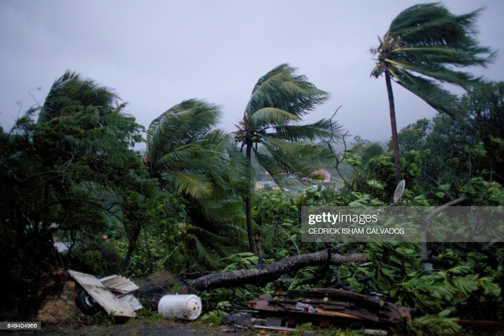 TOPSHOT-FRANCE-OVERSEAS-WEATHER-HURRICANE-CARIBBEAN : News Photo