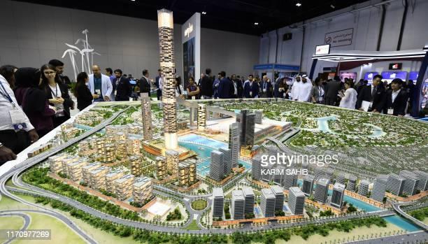 Dubai World Trade Center Stock Fotos Und Bilder Getty Images