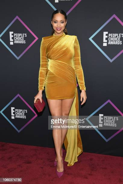 Actor Amber Stevens West arrives to the 2018 E People's Choice Awards held at the Barker Hangar on November 11 2018 NUP_185068