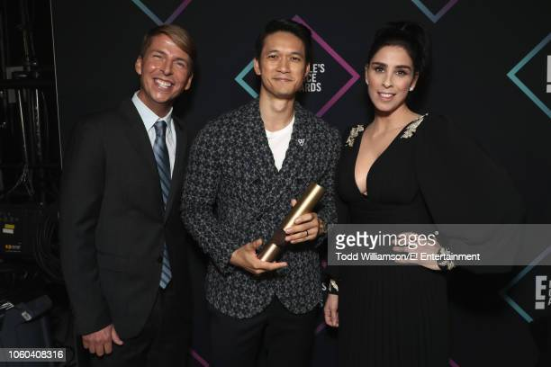 Actor Jack McBrayer actor Harry Shum Jr winner of The Male TV Star of 2018 award for 'Shadowhunters' and actorcomedian Sarah Silverman pose backstage...