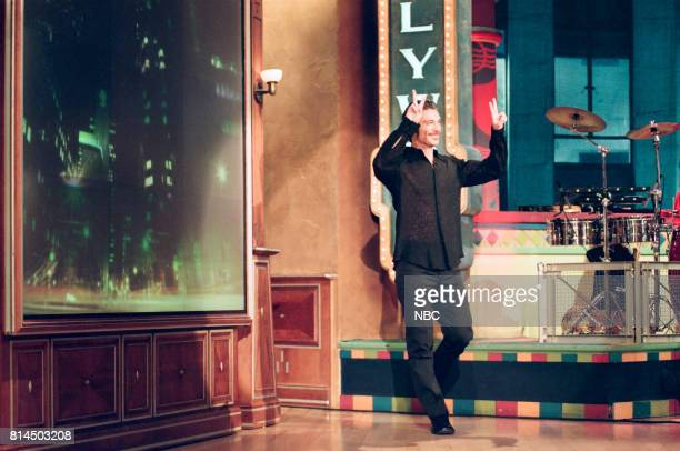 Actor Michael T Weiss entering the stage on May 15 1998