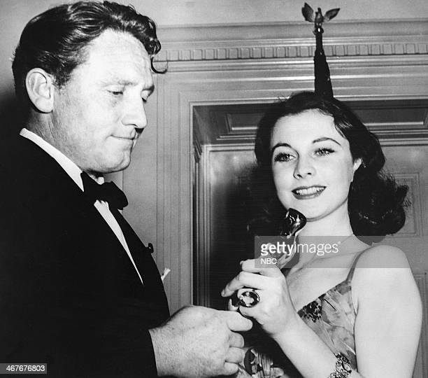 Actor Spencer Tracy Vivien Leigh winner of Best Actress for Gone With the Wind during the 12th Annual Academy Awards held at the Cocoanut Grove in...