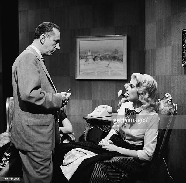 Actress Jayne Mansfield host Hy Gardner in 1956