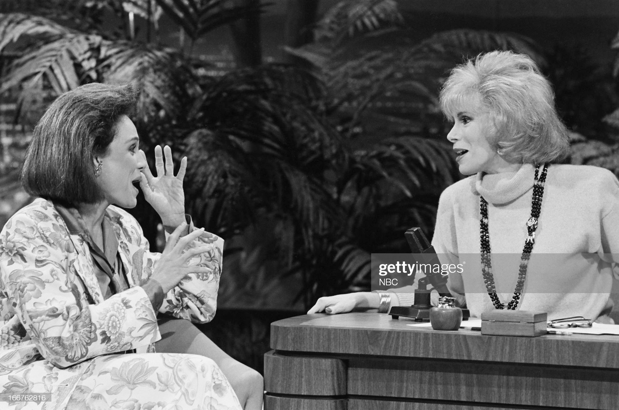 pictured-actress-valerie-harper-guest-host-joan-rivers-on-march-6-picture-id166762816
