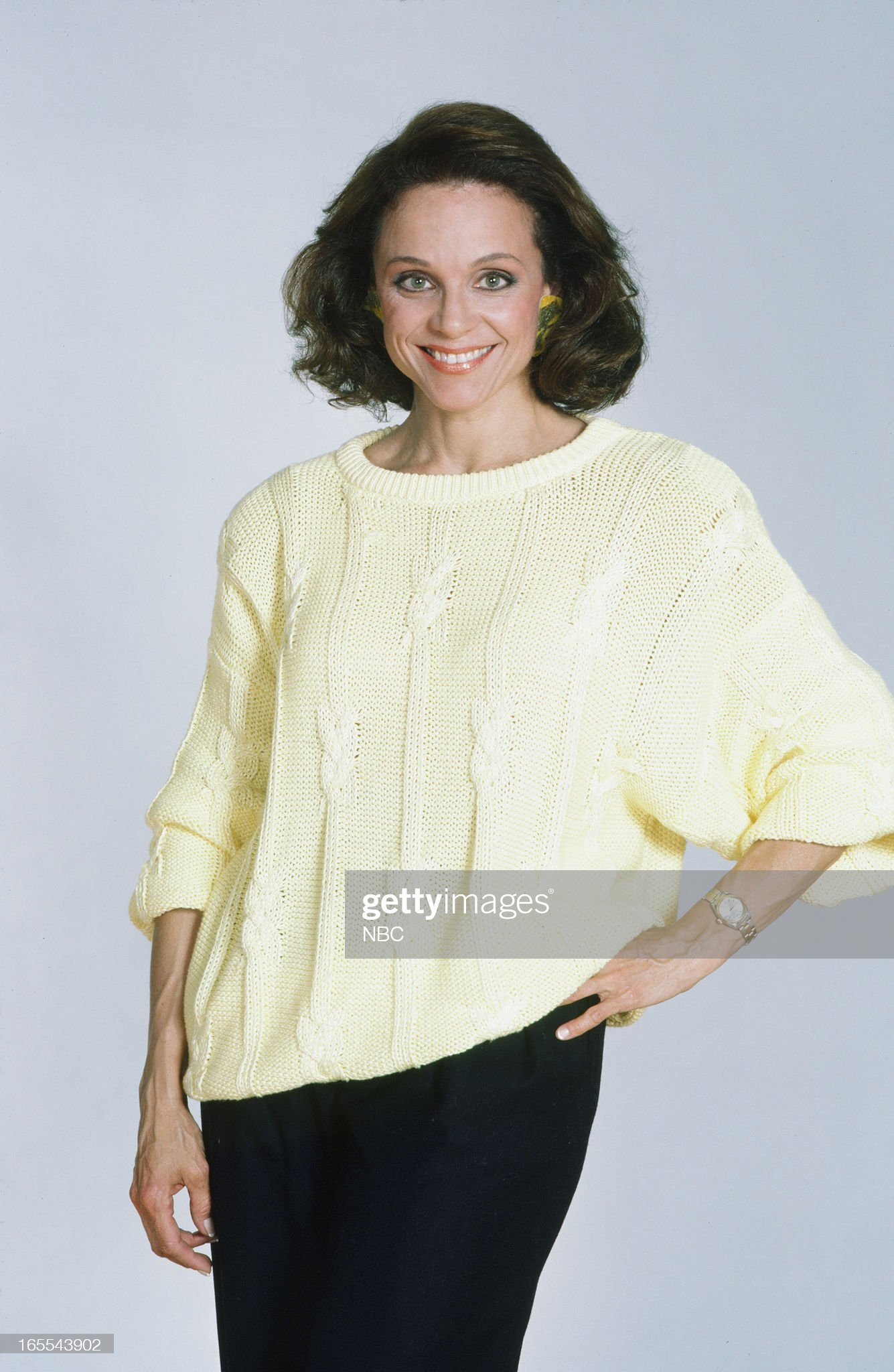 pictured-actress-valerie-harper-in-1986-picture-id165543902
