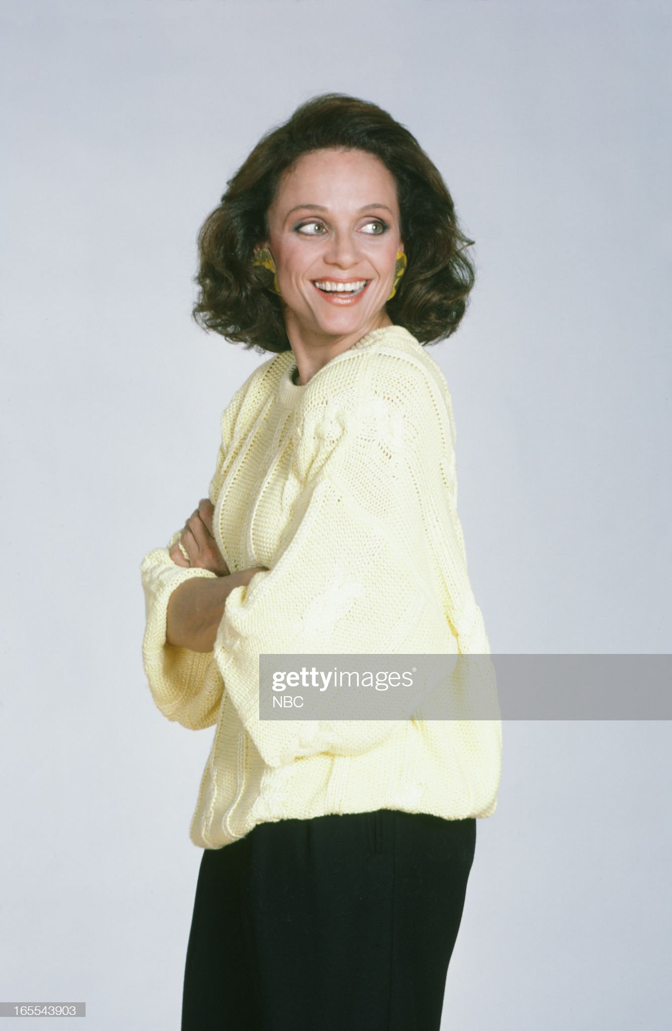pictured-actress-valerie-harper-in-1986-picture-id165543903