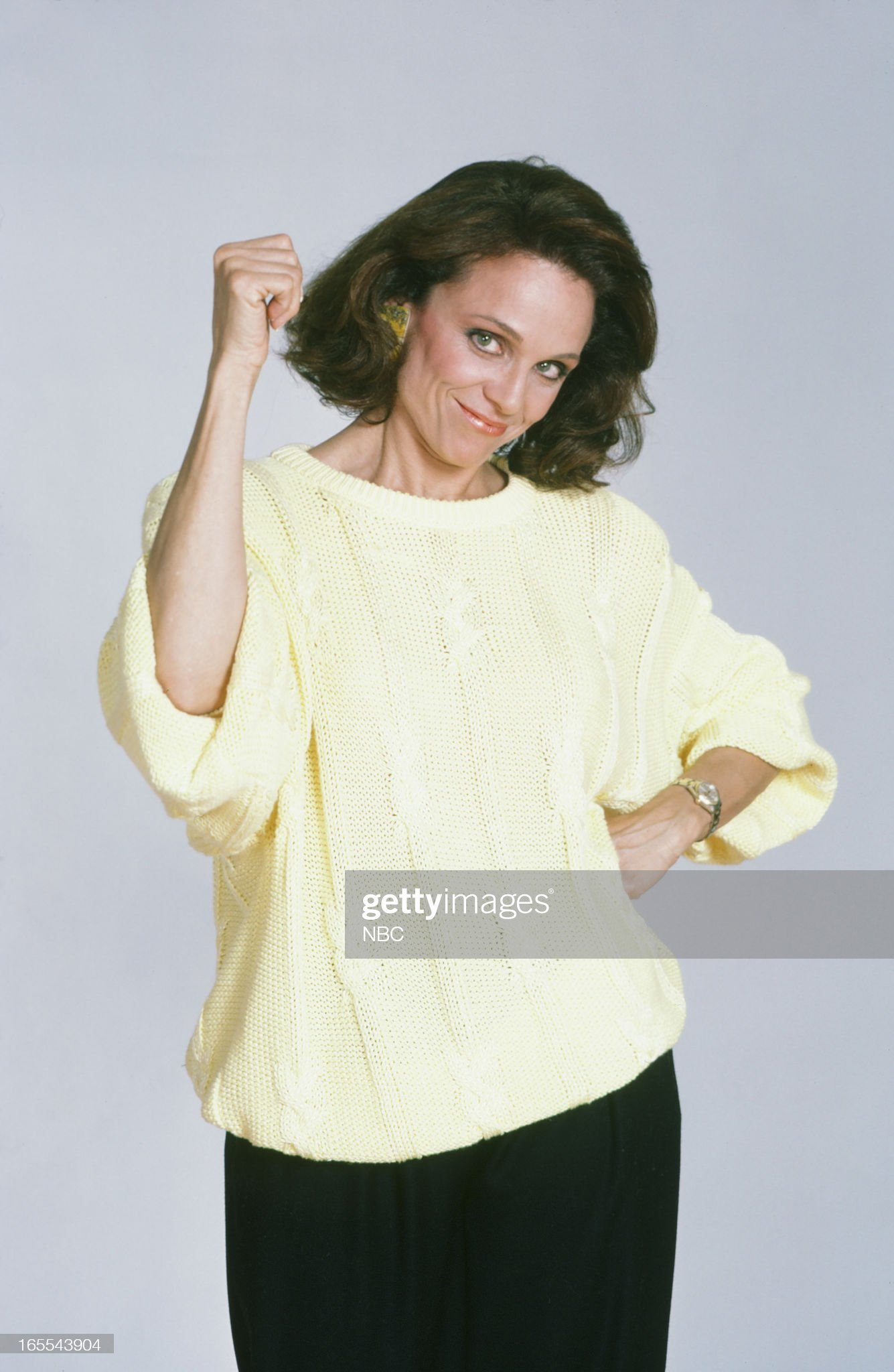 pictured-actress-valerie-harper-in-1986-picture-id165543904