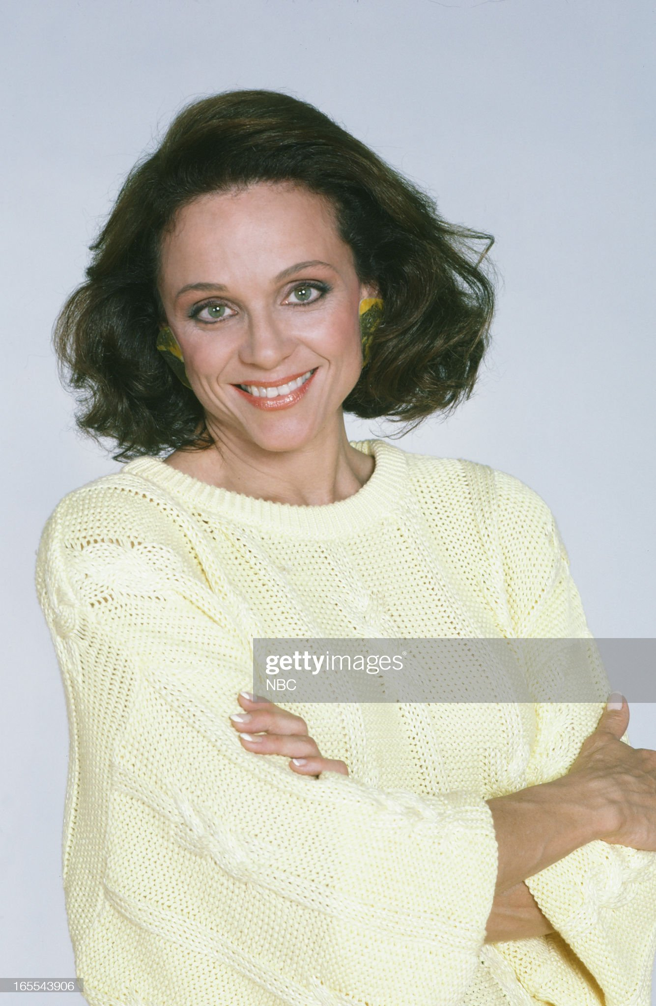 pictured-actress-valerie-harper-in-1986-picture-id165543906