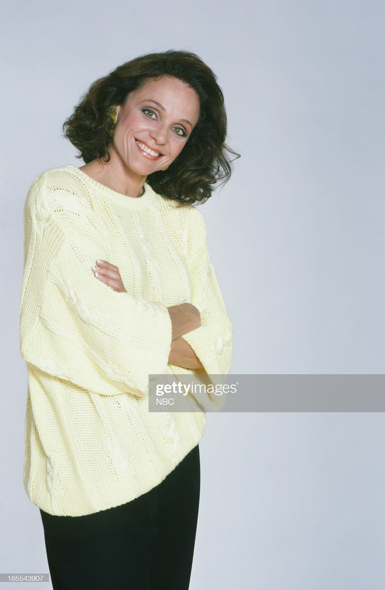 pictured-actress-valerie-harper-in-1986-picture-id165543907