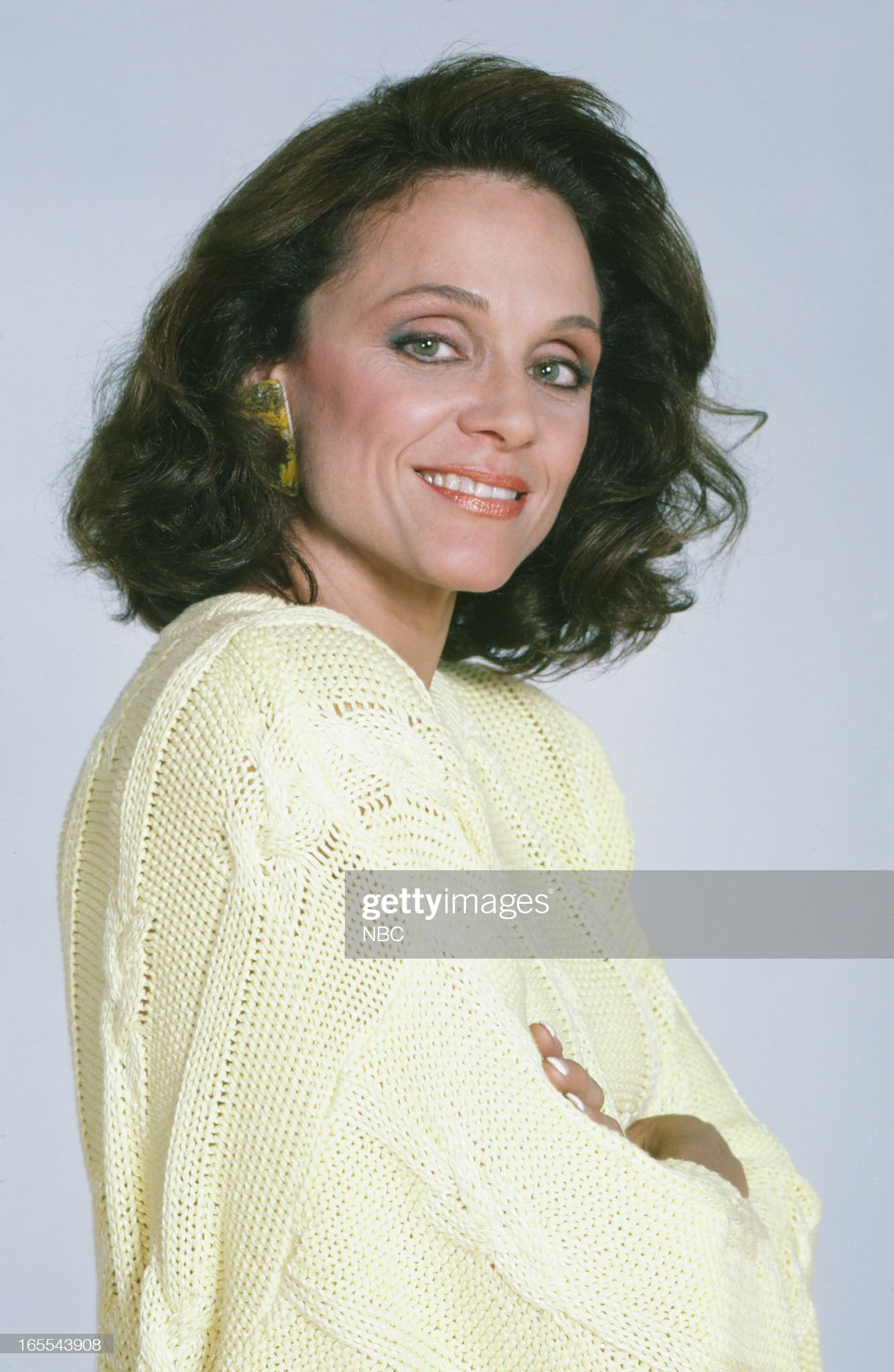 pictured-actress-valerie-harper-in-1986-picture-id165543908