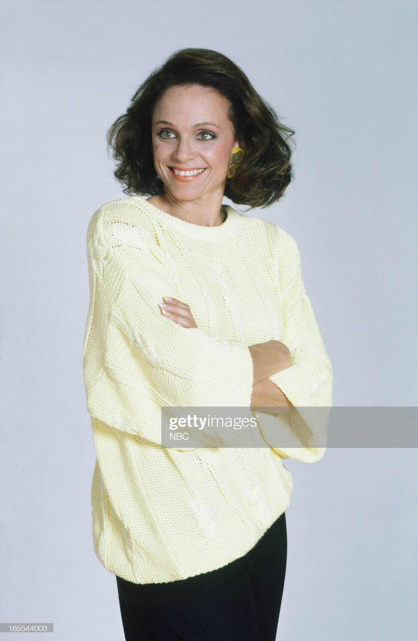 pictured-actress-valerie-harper-in-1986-picture-id165544003