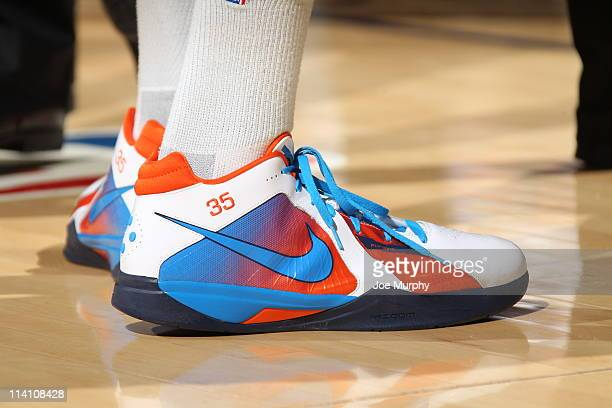 1 188 Kevin Durant Shoe Photos And Premium High Res Pictures Getty Images
