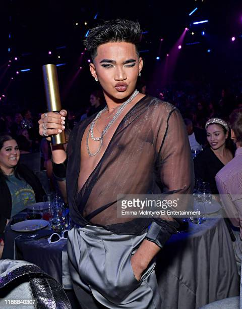 Bretman Rock winner of The Beauty Influencer of 2019 during the 2019 E People's Choice Awards held at the Barker Hangar on November 10 2019 NUP_188995
