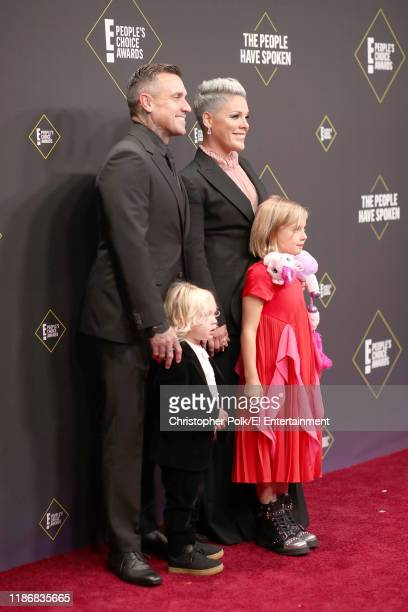 Carey Hart Jameson Moon Hart Pnk and Willow Sage Hart arrive to the 2019 E People's Choice Awards held at the Barker Hangar on November 10 2019...