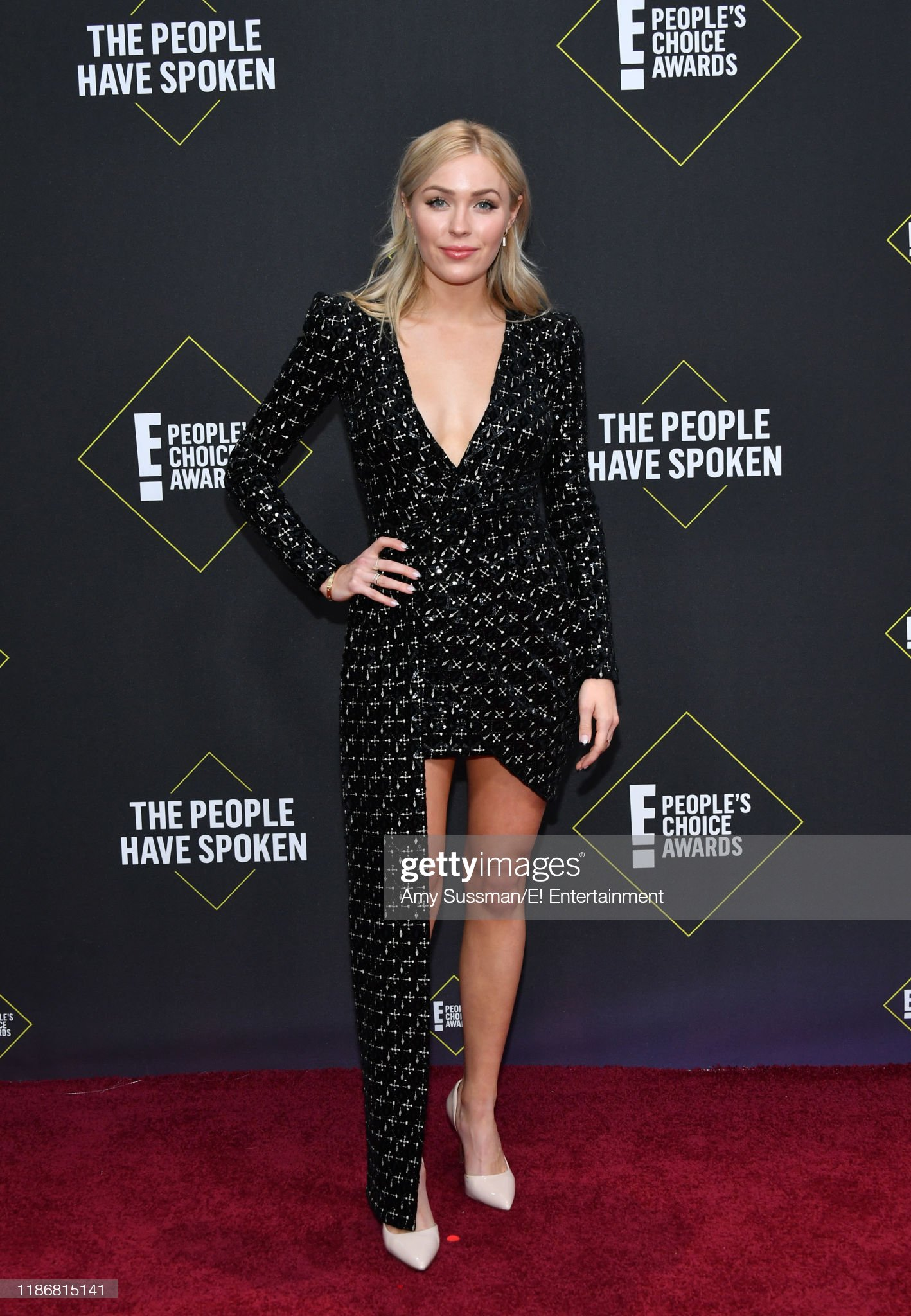 Colton Underwood & Cassie Randolph - Bachelor 23 - Discussion - Page 14 Pictured-cassie-randolph-arrives-to-the-2019-e-peoples-choice-awards-picture-id1186815141?s=2048x2048