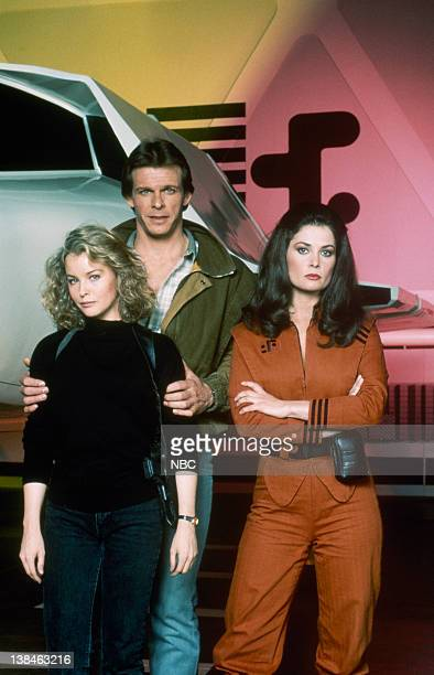 Faye Grant as Dr Julie Parrish Marc Singer as Mike Donovan Jane Badler as Diana