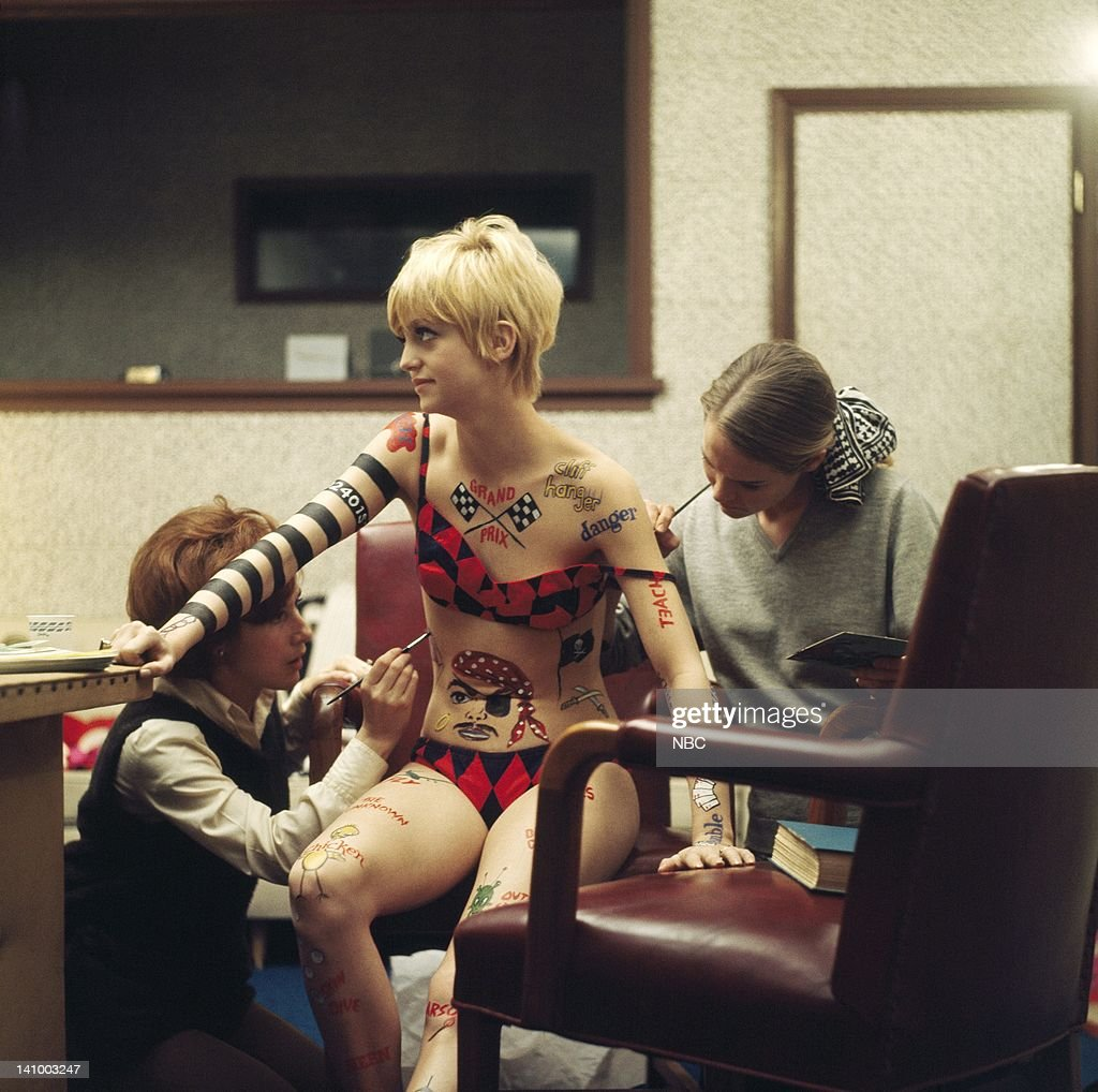 Goldie Hawn having makeup applied -- Photo by: NBCU Photo Bank