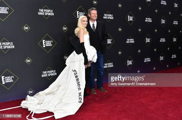 Gwen Stefani and Blake Shelton arrive to the 2019 E People's Choice Awards held at the Barker Hangar on November 10 2019 NUP_188989