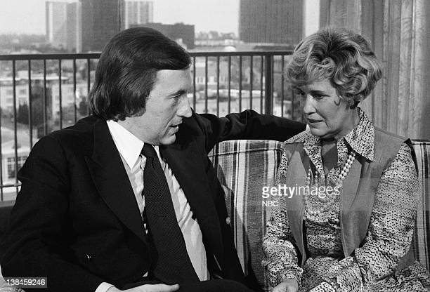 Pictured: Host David Frost interviews Erma Bombeck --