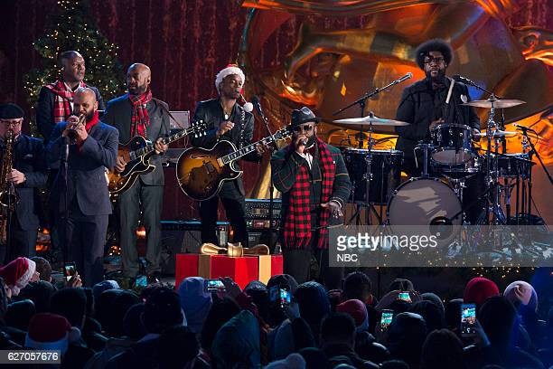 Ian HandricksonSmith James Poyser Dave Guy Kirk 'Captain Kirk' Douglas Tariq 'Black Thought' Trotter Ahmir 'Questlove' Thompson of The Roots rehearse...